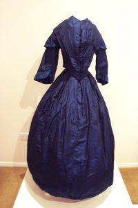 blue-day-dress-1850-gold-museum